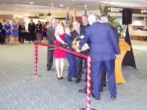 Ribbon cutting at the opening of the USO Service Center